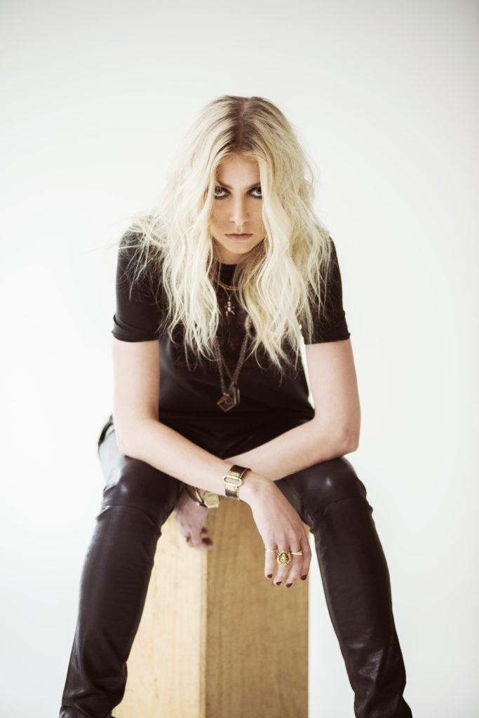 pretty-reckless-andrew-lipovsky-0781-pr-site